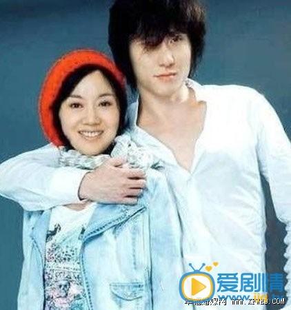 闫妮老公照片 网传闫妮和上海戏剧学院01学生王玮恋爱 并没有得到确认